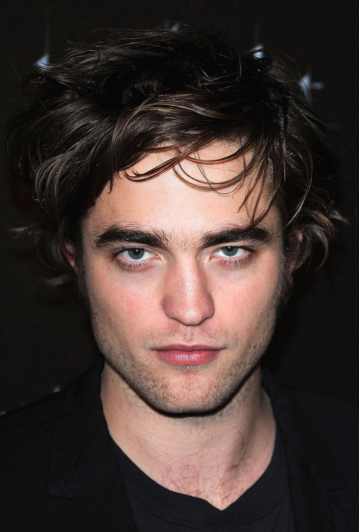 Robert Pattinson to Present at Oscars