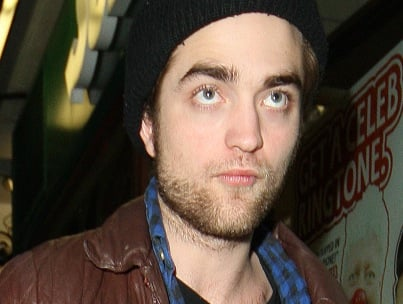 Robert Pattinson: Sporting Pre-Oscar Shaggy Look