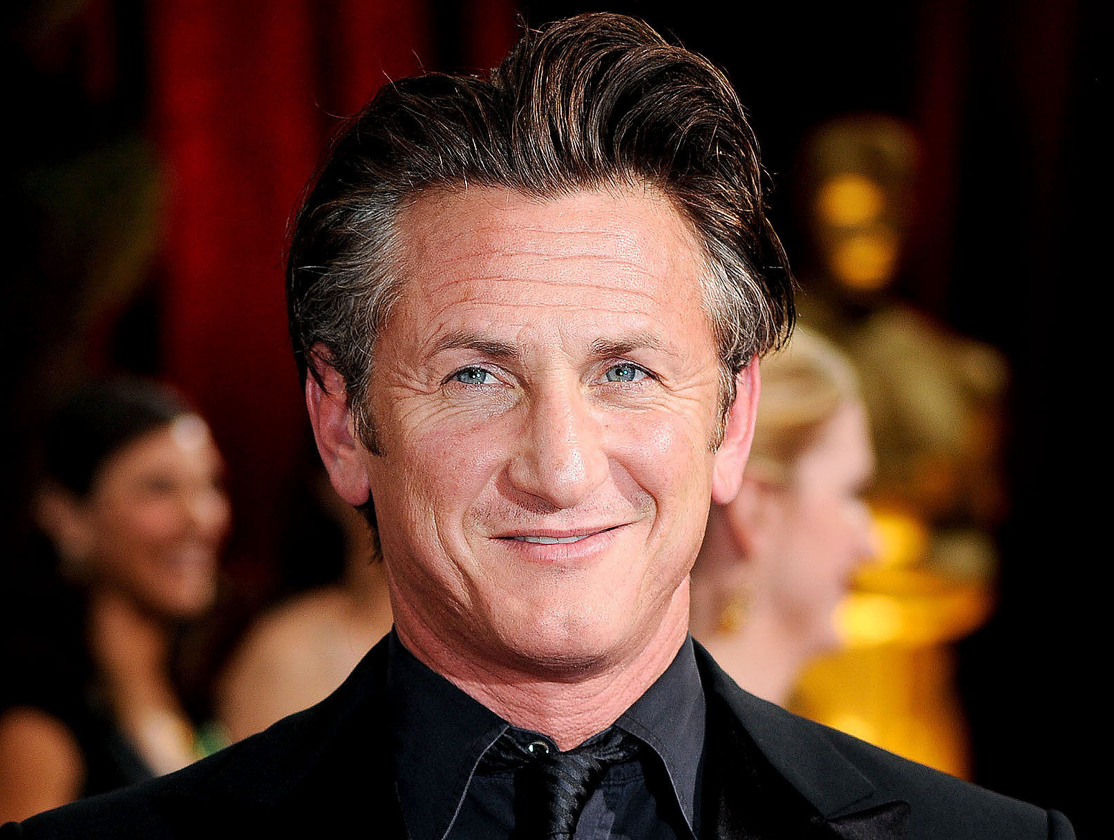 "Sean Penn Trumps ""Brother"" Rourke For Best Actor"