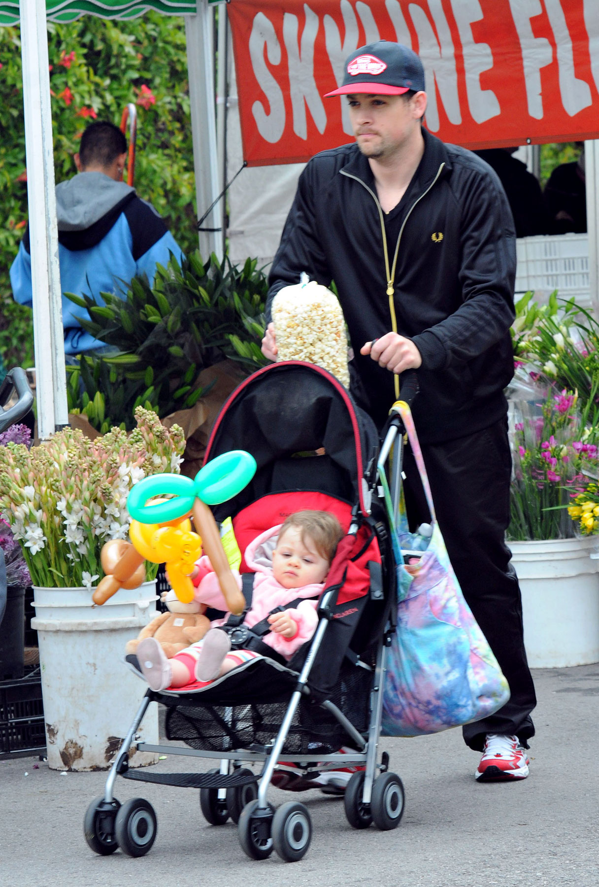 Joel Madden and Harlow: That's Just How They Stroll, Yo
