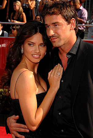 Adriana Lima: Pregnant Already?!!?