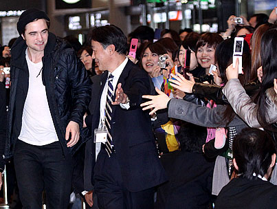 Robert Pattinson Relieves Tokyo of Its 'Twilight' Deprivation