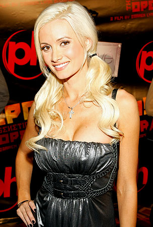 Holly Madison to Compete on 'Dancing With the Stars'