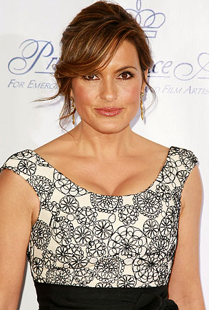 Mariska Hargitay Back In The Hospital
