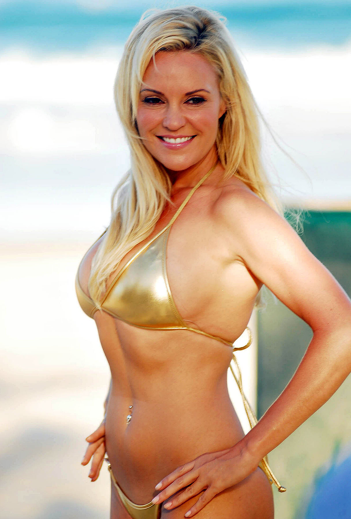 Bridget Marquardt: Beach Gig Requires Small Outfits, Big Suitcases