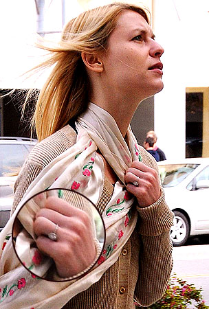 Claire Danes Gives Paps the Ring Finger