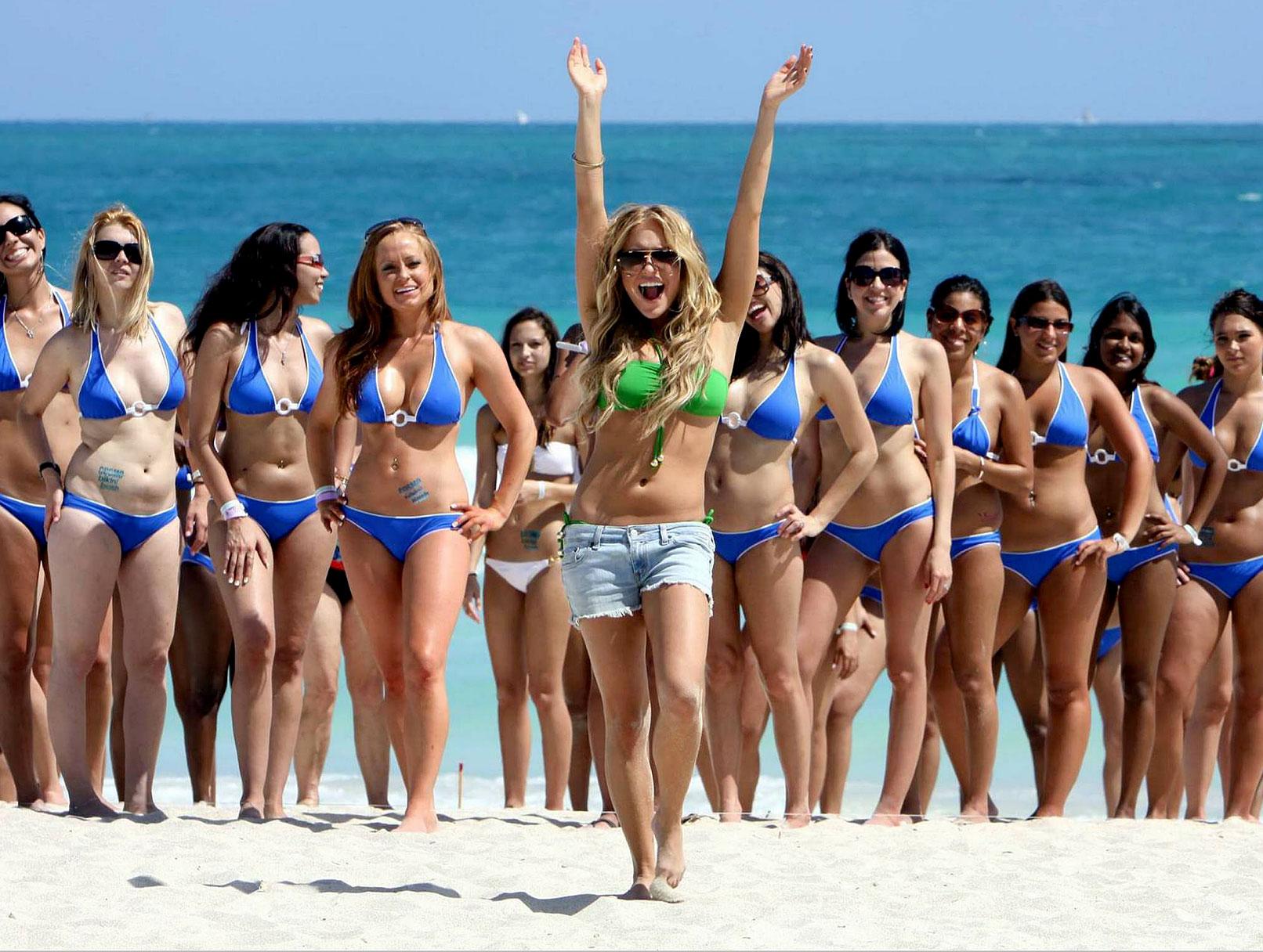 Kristin Cavallari's Cosmo Bikini Bash