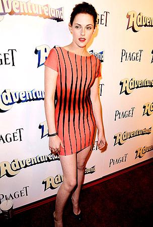 Kirsten Stewart: 'Adventure'-ous Dress