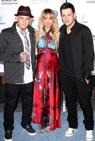 Nicole Richie and Joel Madden Give Back