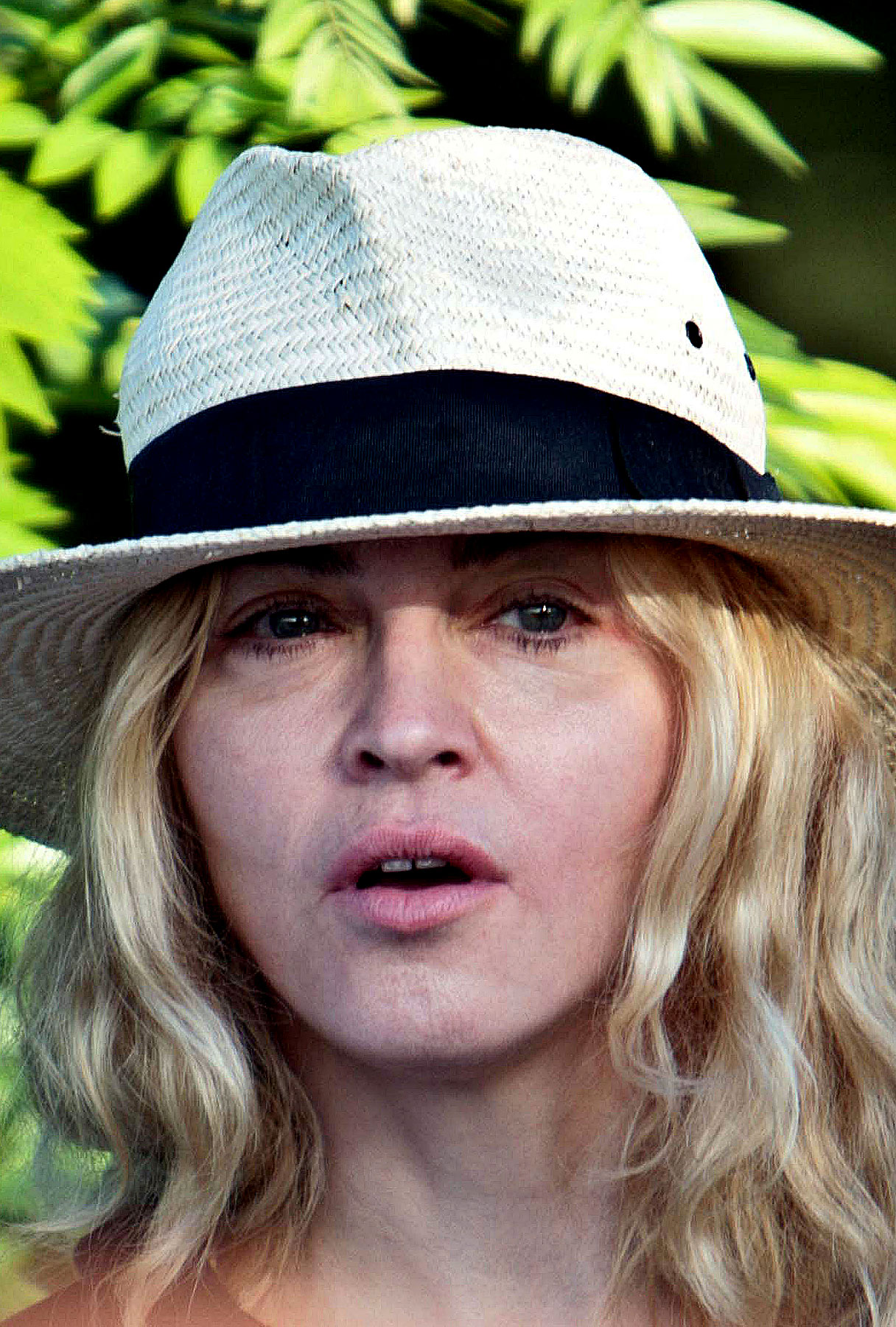 Madonna Arrives in Malawi for Sightseeing, Adoption