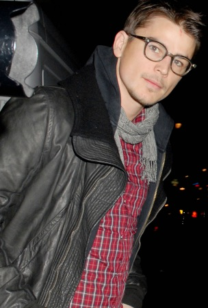 Update: Josh Hartnett 'Resting Comfortably'