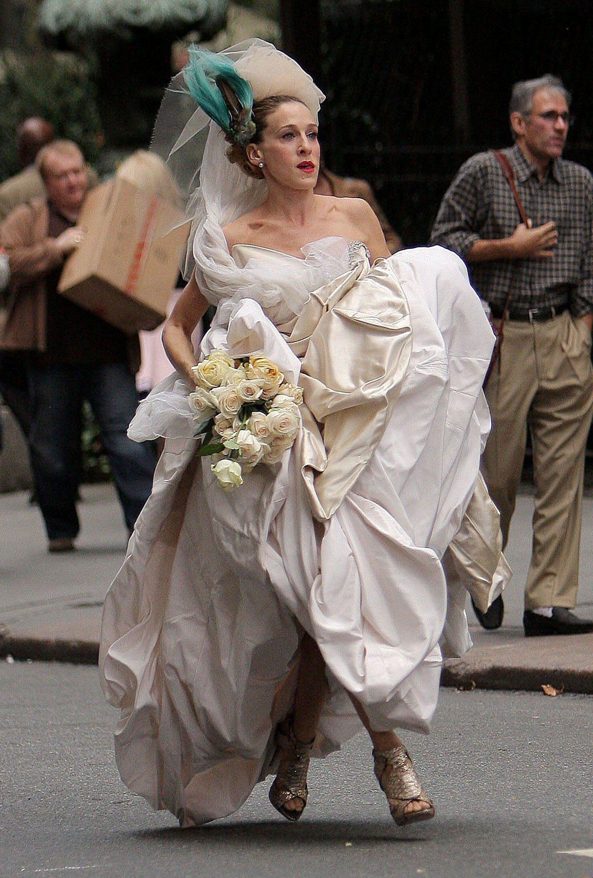 Carrie Bradshaw's Wedding Gown Sold Out in Hours