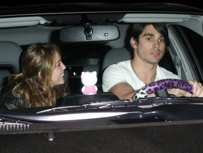 Miley and Justin's Hello Kitty-Mobile