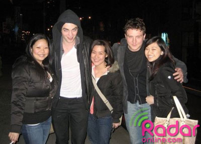 Robert Pattinson and Sam Bradley Hang With Fans in Vancouver