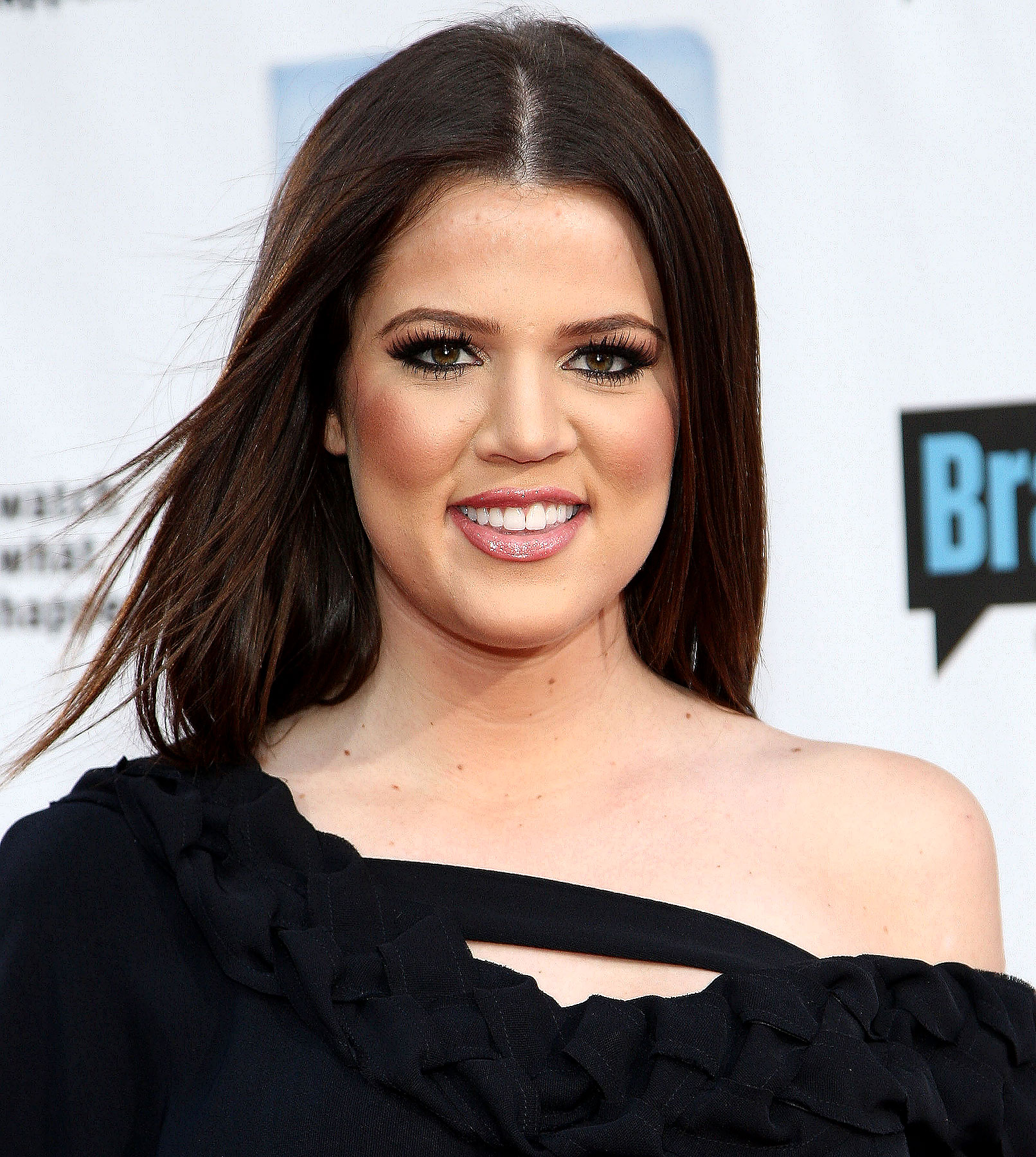 Khloe Kardashian Blasts Donald Trump, Roots for Joan Rivers
