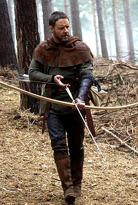 Russell Crowe Gets Medieval On Us