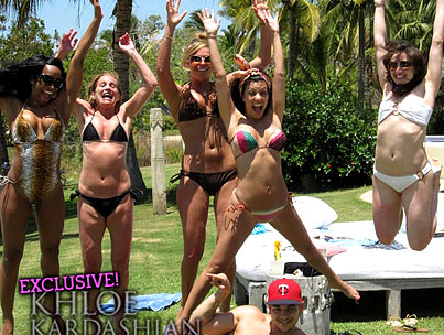 Khloe and the Gang Party in Mexico…With Kourtney's Ex?