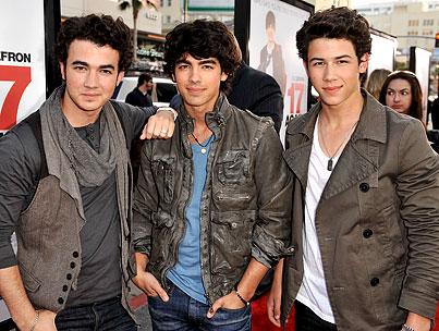 The Jonas Brothers To Host Teen Choice Awards