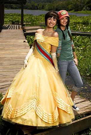Demi and Selena's 'Princess Protection Program': Sneak Peek!