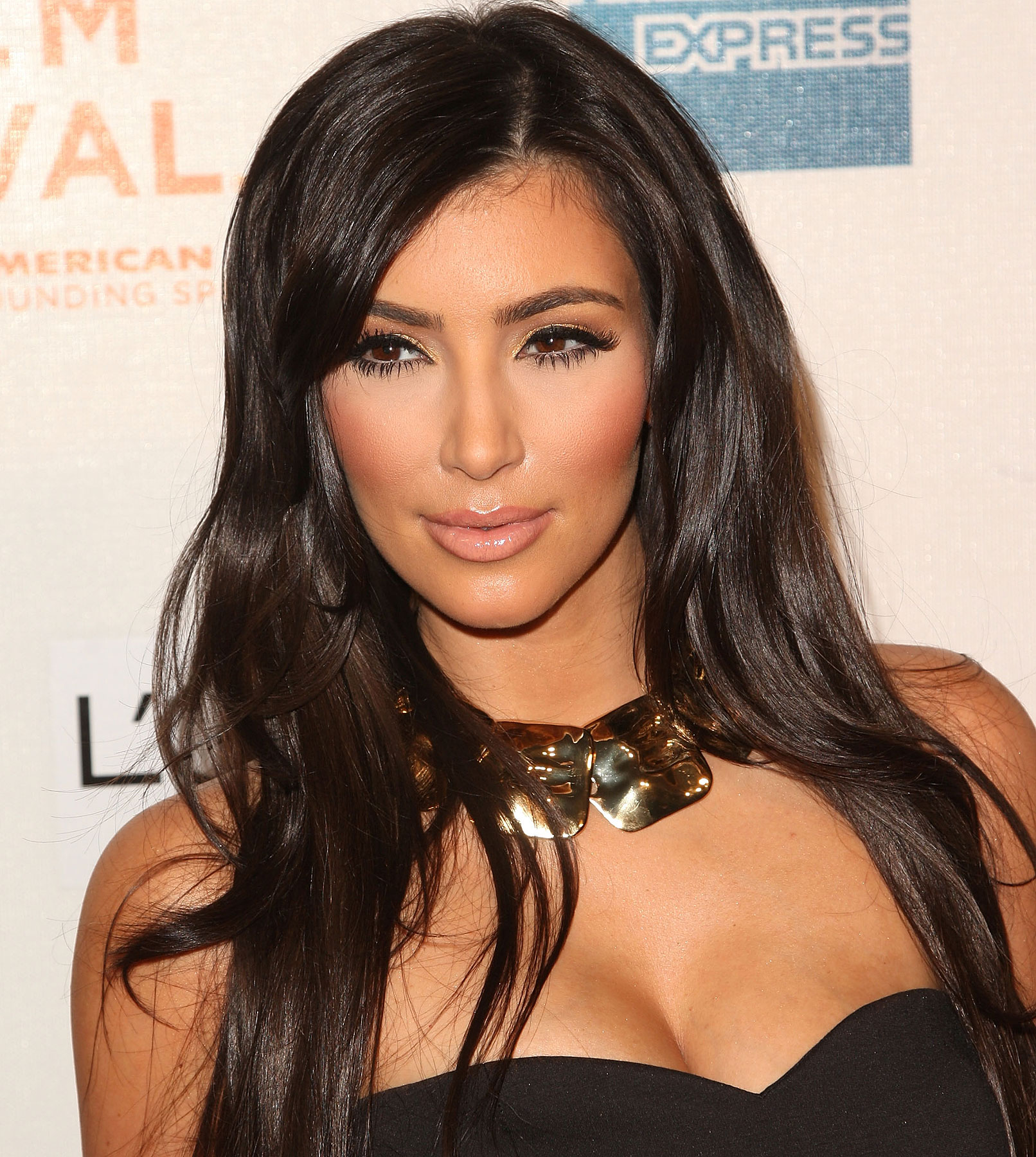Calling all Girls and Drag Queens for the Kim Kardashian Look-a-Like Contest!