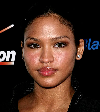 Topless Photos of Cassie Leaked