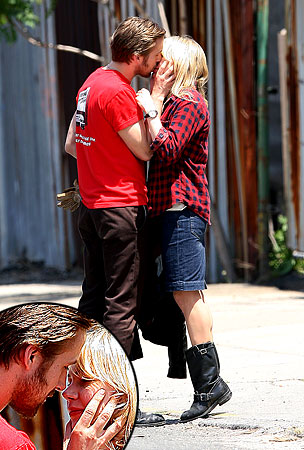 Ryan Gosling and Michelle Williams Totally Make Out!