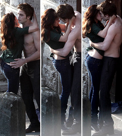 Robert Pattinson and Kristen Stewart's New Moon Kiss: Hotter than Twilight's?