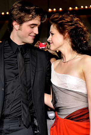 Twilight Director Says Pattinson and Stewart Could Be Dating