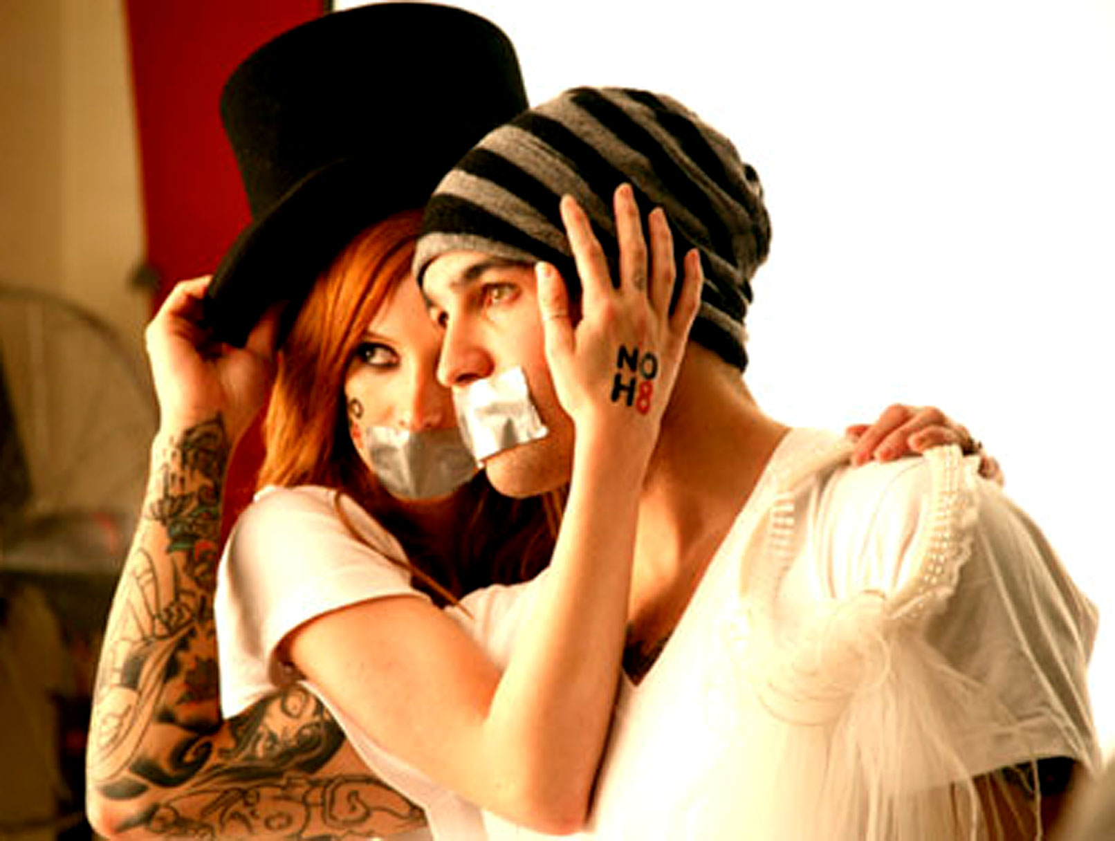 Ashlee Simpson and Pete Wentz Join NOH8 to Fight Prop 8