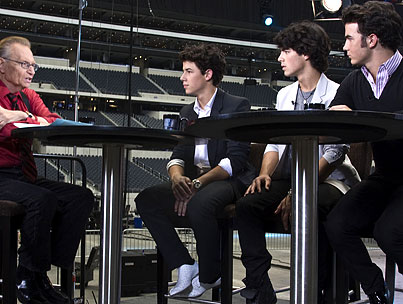 VIDEO: Jonas Brothers Confirm Girlfriends to Larry King!