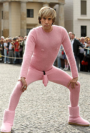 Sacha Baron Cohen Thinks Pink for Bruno Photo-Call