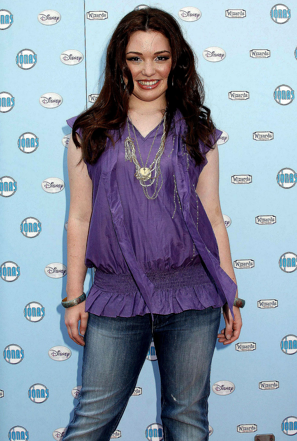 "Jennifer Stone Says Selena Gomez ""Has a Thing"" About Shia LaBeouf"