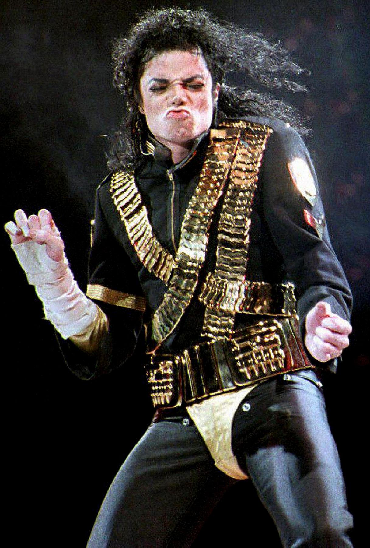 PHOTO GALLERY: Michael Jackson's Most Memorable Performances