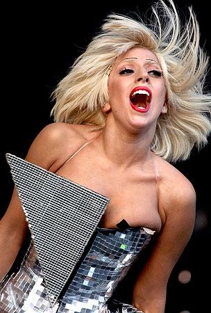 Lady Gaga: Poor and Hooking Up With Bandmates