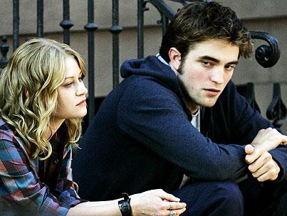 Robert Pattinson and Emilie de Ravin: Sullen on the Set