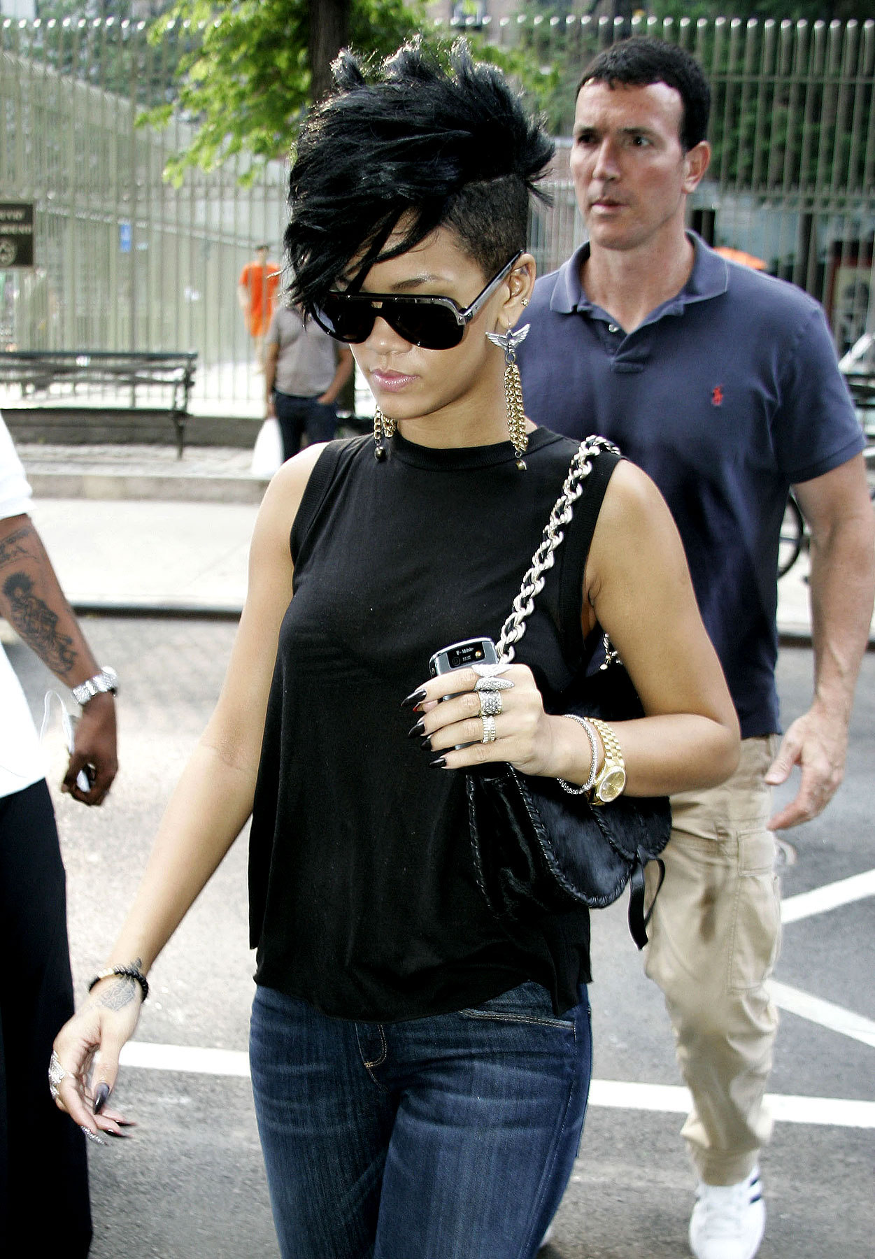 PHOTO GALLERY: Rihanna Shows Off Her Mohawk