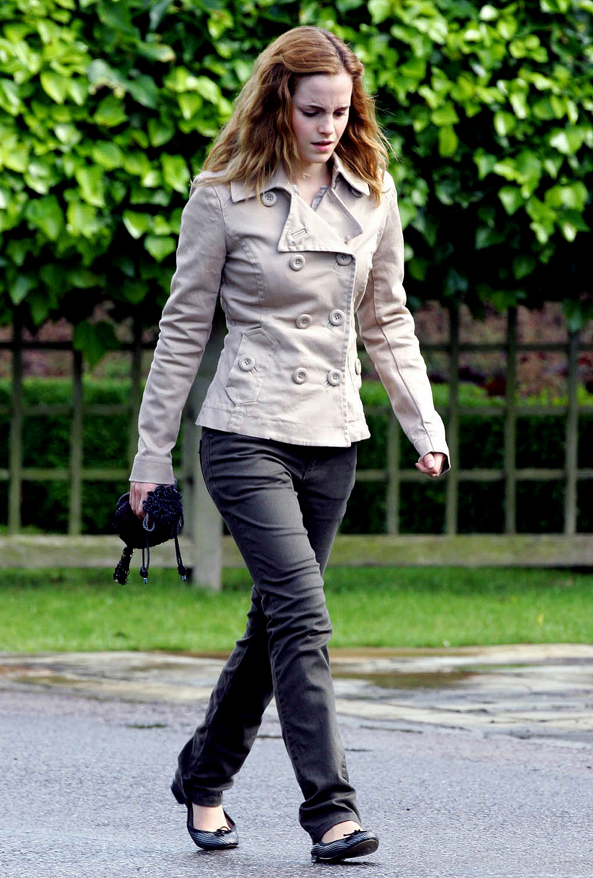 PHOTO GALLERY: Emma Watson on 'Deathly Hallows' Set