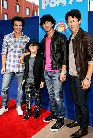 PHOTO GALLERY: The Jonas Brothers Support Frankie!
