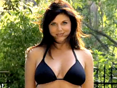 VIDEO: Tiffani-Amber Thiessen Is Way Too Busy