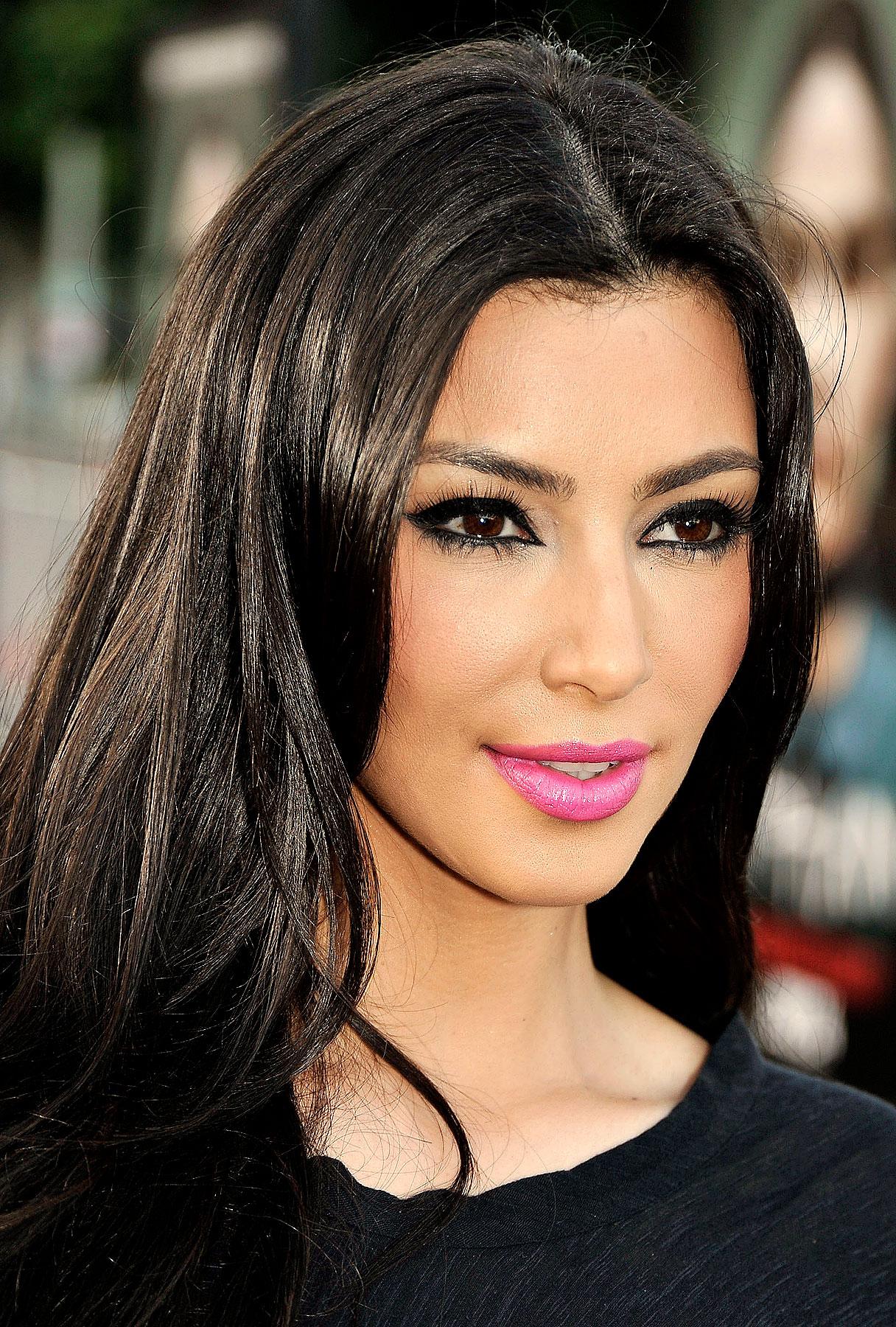 Kim Kardashian Makes Statement on Breakup