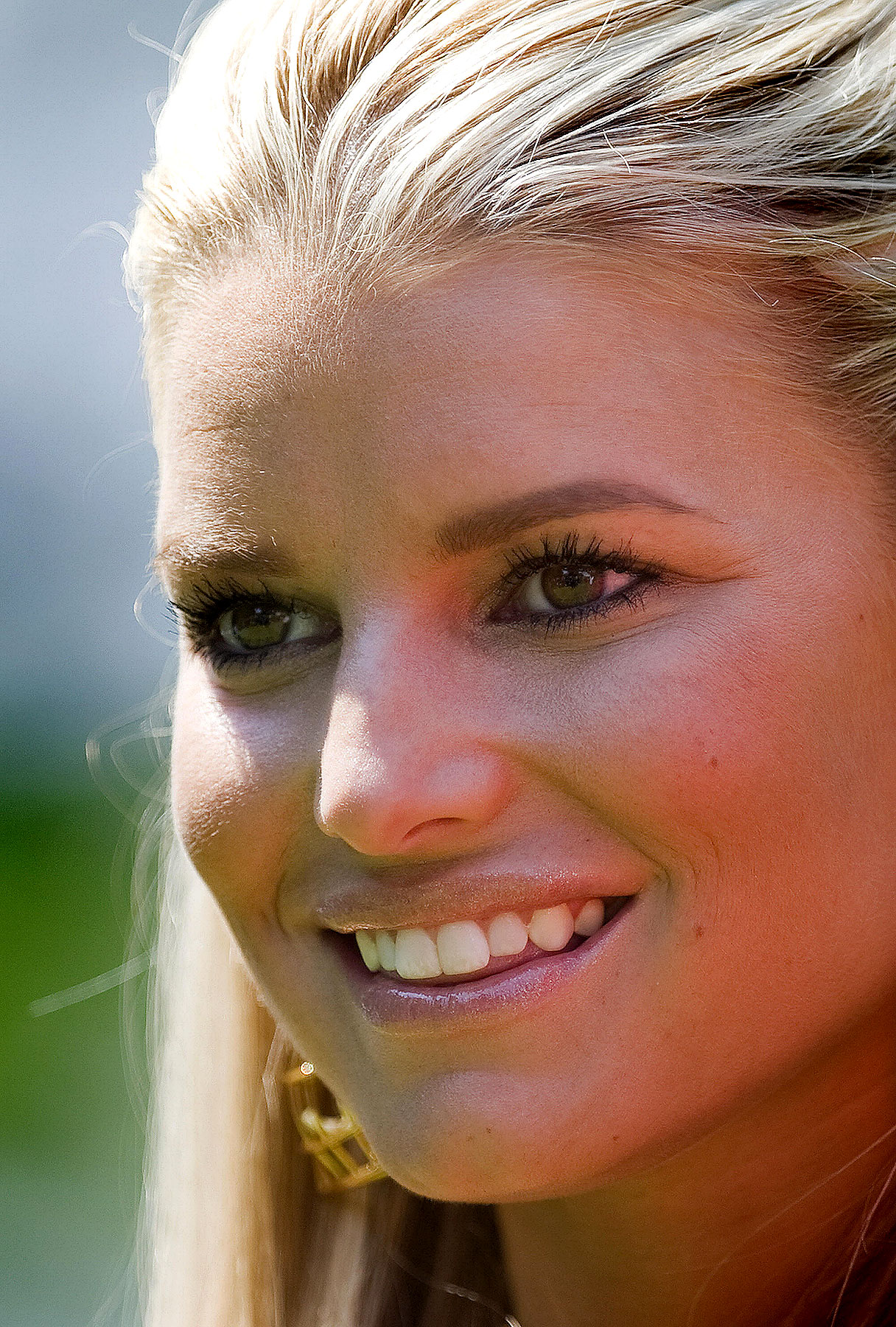 Jessica Simpson Has A High Price Of Beauty
