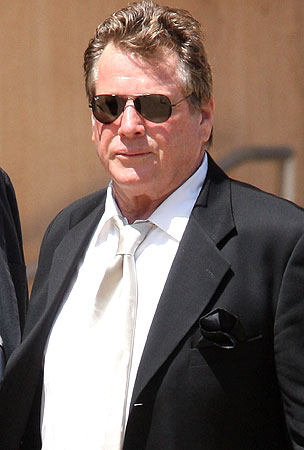 Ryan O'Neal Put the Moves On His Daughter at Farrah's Funeral