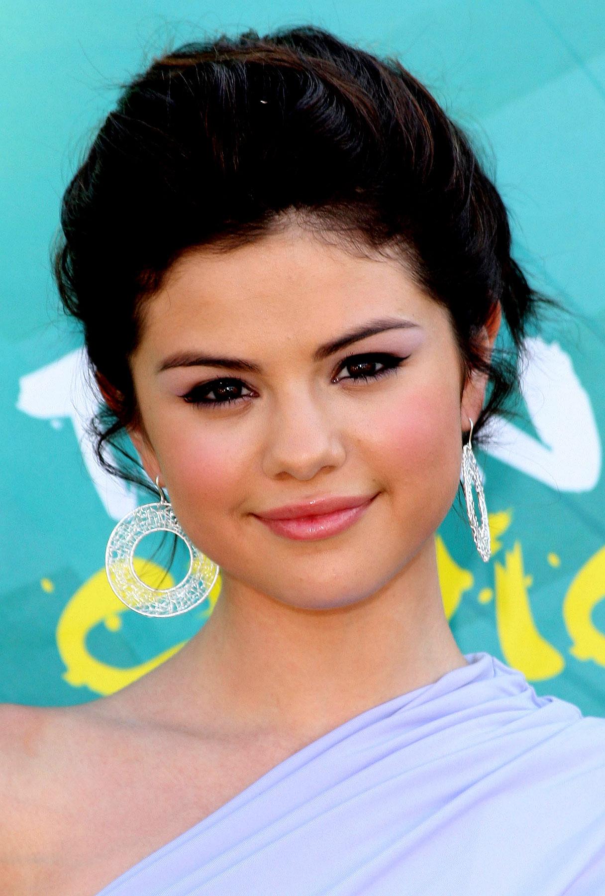 Selena Gomez's Debut Album Is Near!