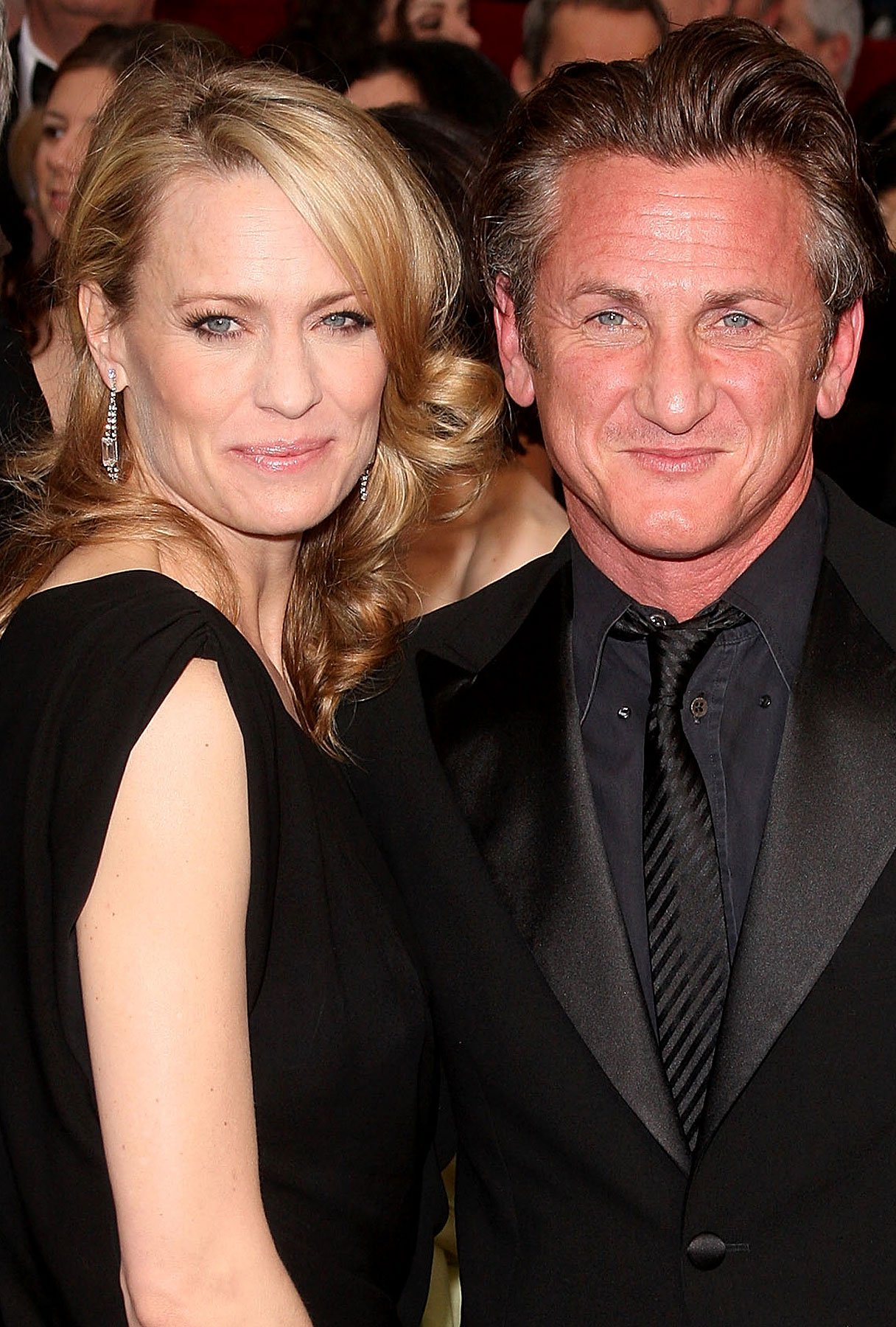 "Sean Penn and Robin Wright Penn Change Their Relationship Status to ""Divorced"" Again"