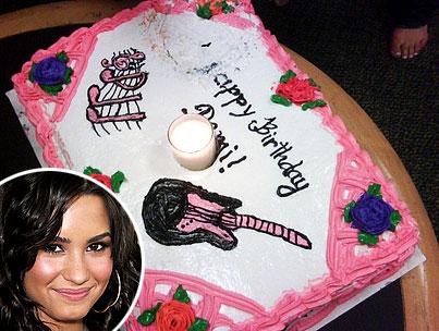 Demi Lovato: Let Her Tweet Cake
