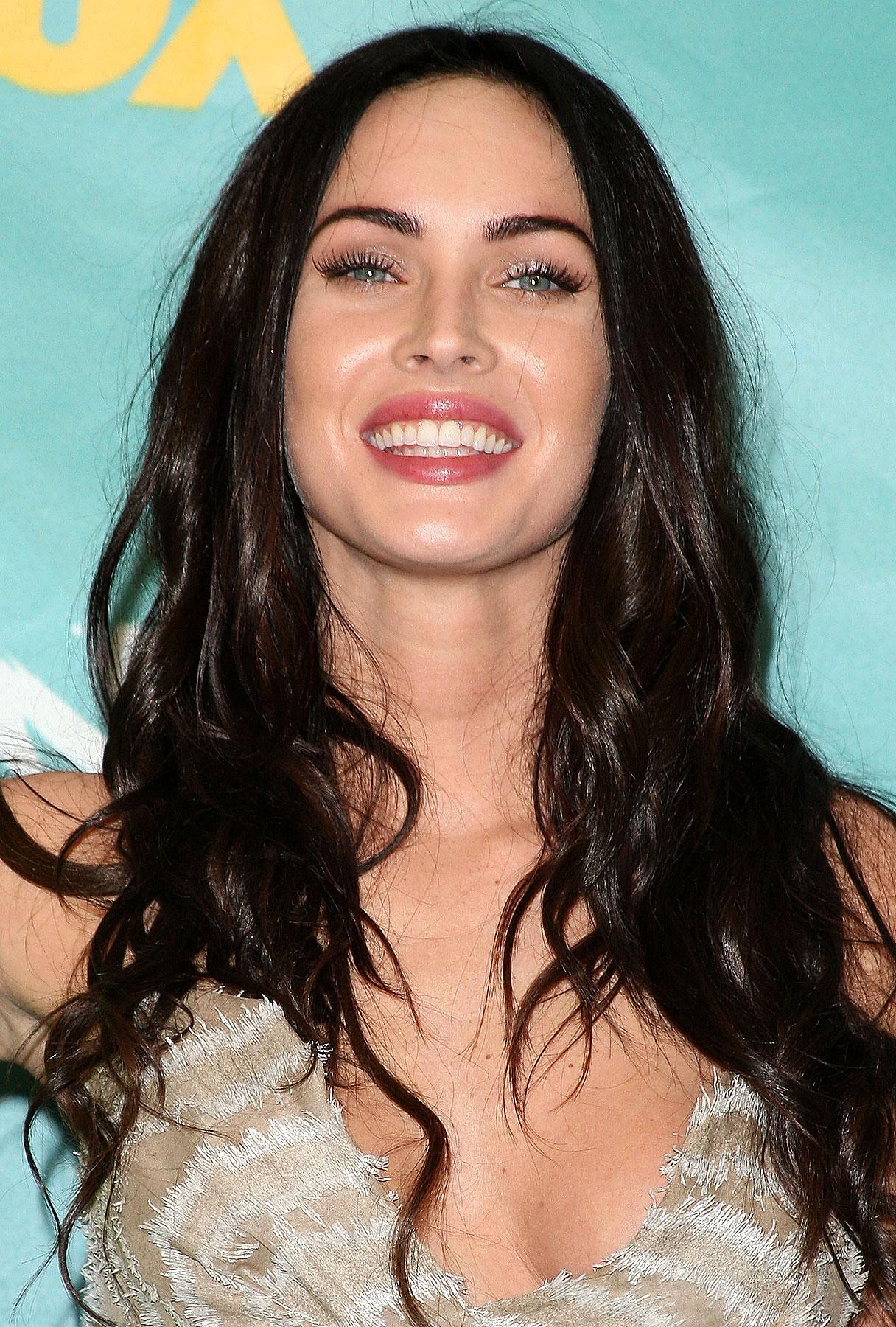 Megan Fox To Host Saturday Night Live