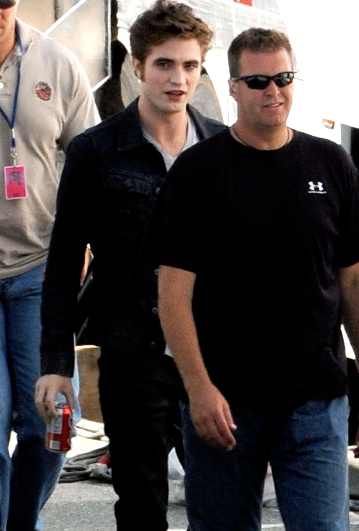 PHOTO GALLERY: Robert Pattinson Shoots Eclipse