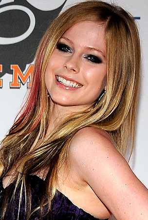 Avril Lavigne to Guest-Judge American Idol