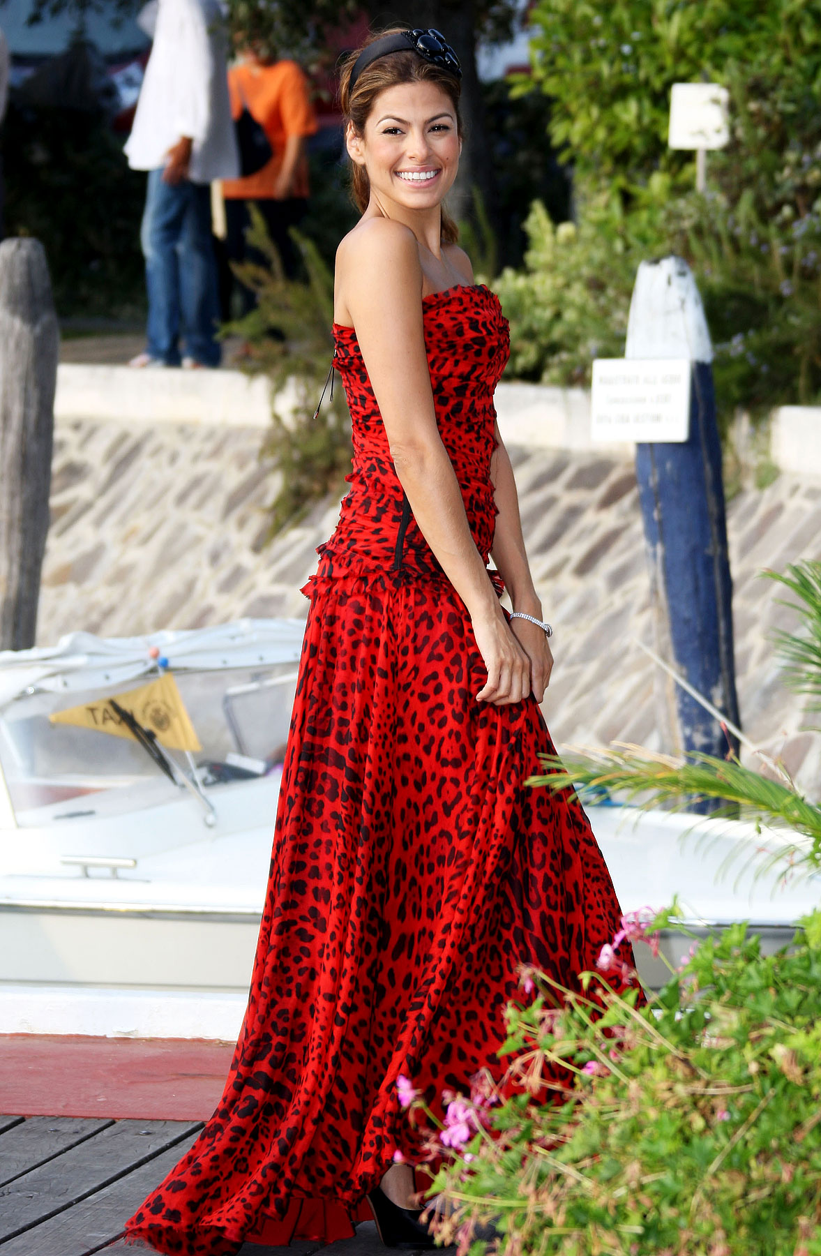PHOTO GALLERY: Eva Mendes at the Venice Film Fest