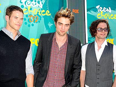 'Eclipse' Cast Isn't On Lockdown
